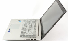 ASUS-UX501-side-open1